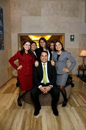 Comité Ejecutivo: Vivian Stone, Silvia Mateo, Helen Mosquera, Paola Tello, Fiorella Solís, Juan José Eyzaguirre.